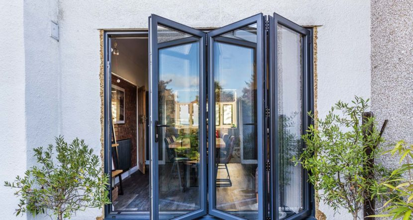 aluminium bifold doors croydon